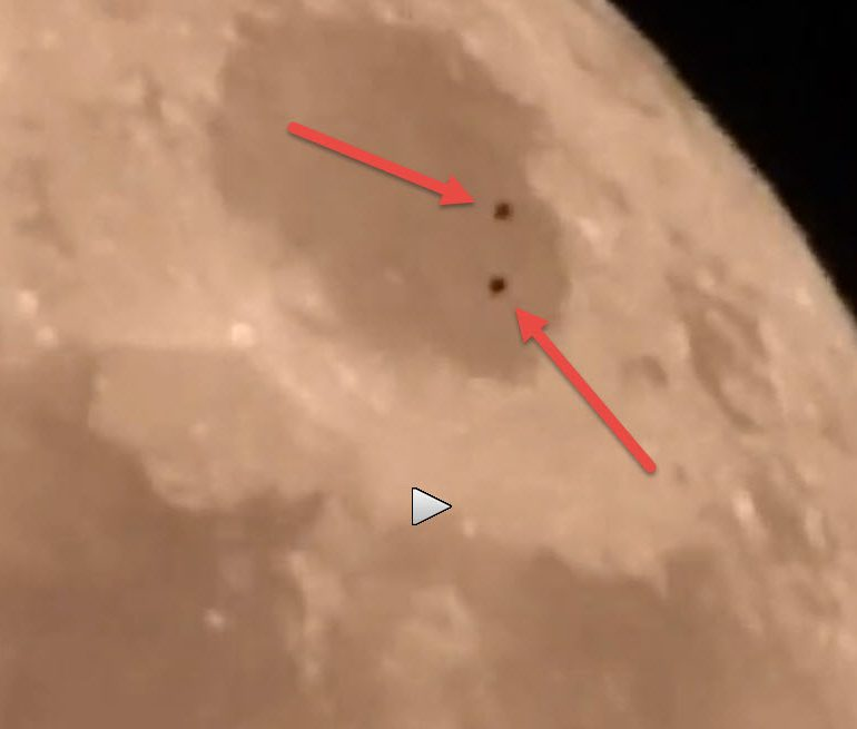 """UFO Seen Over Lunar Surface – During Filming of the """"Super Moon"""""""