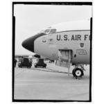 Detail of forward fuselage showing open cockpit hatch and ladder. View to southeast. - Offutt Air Force Base, Looking Glass Airborne Command Post, Looking Glass Aircraft, On Operational Apron covering northeast half of Project Looking Glass Historic District, Bellevue, Sarpy County, NE Photos from Survey HAER NE-9-B