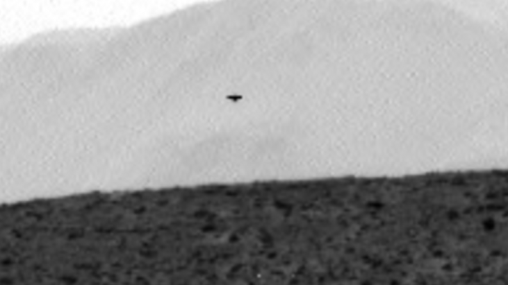 UFO Appears In Skies Above Martian Surface